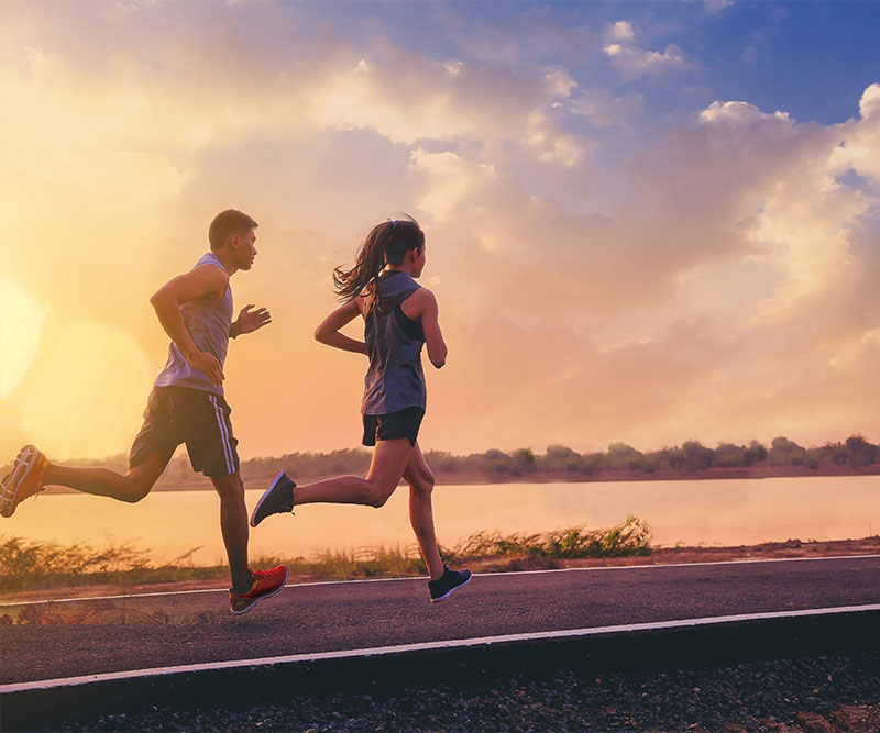 Why do runners need to be hydrated?
